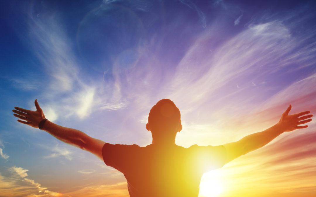 Augmentez votre joie de vivre avec la méditation du soleil