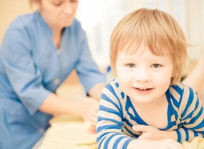 massage santé chez l'enfant pour booster son énergie défensive (système immunitaire)