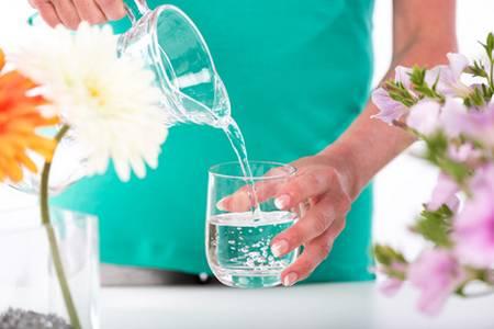 boire de l'eau pour se réhydrater