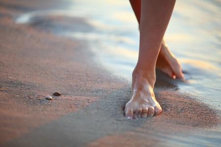 portez votre attention dans vos plantes de pieds
